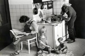 Weird family n kitchen