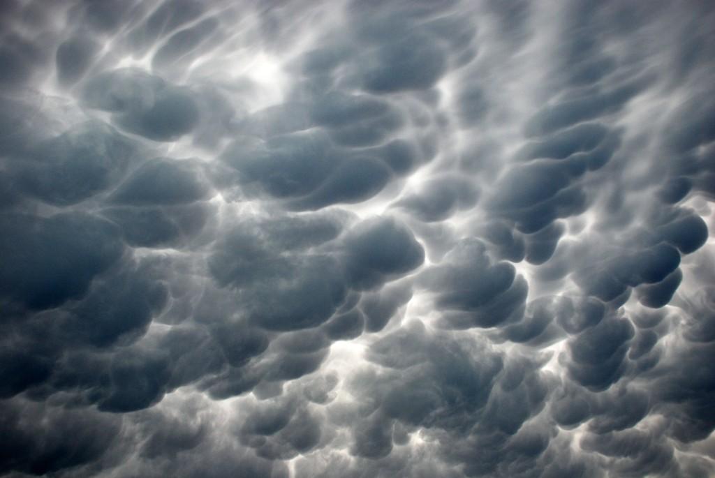 clould_storm