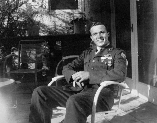 Scotty-Bowers-in-1944.jpg