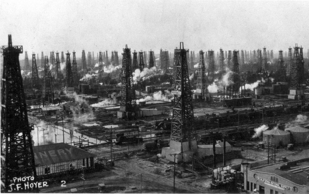 Historic Huntington - oil field at Alabama and Clay - 1920